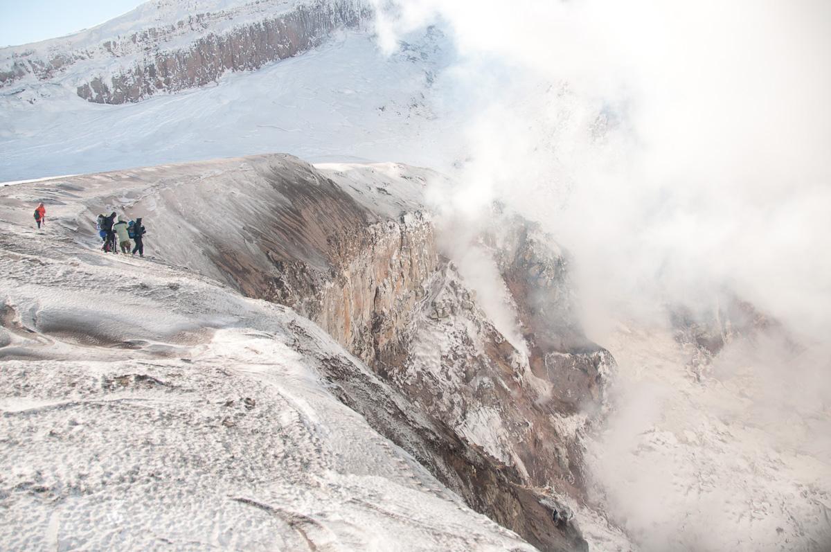 Кромка активного кратера